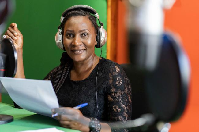 Gladys Phiri broadcasts on coronavirus-related issues from Lilongwe. Photo: WFP/Badre Bahaji
